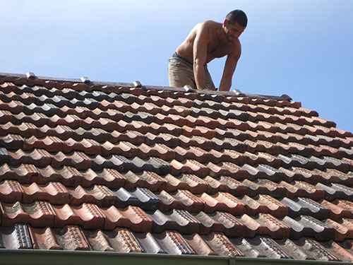 Brisbane roofer at work